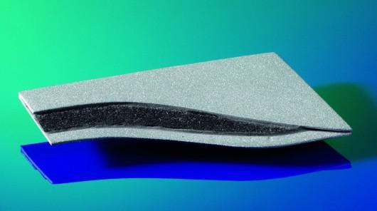 Vật liệu polymer-kim loại có thể tự thông báo tình trạng kết cấu